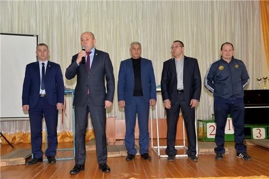 Глава администрации района принял участие в открытии первенства республики по армрестлингу