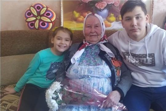 90-летний юбилей отметила труженица тыла, ветеран труда, жительница деревни Старое Ахпердино Елена Михайловна Салмина