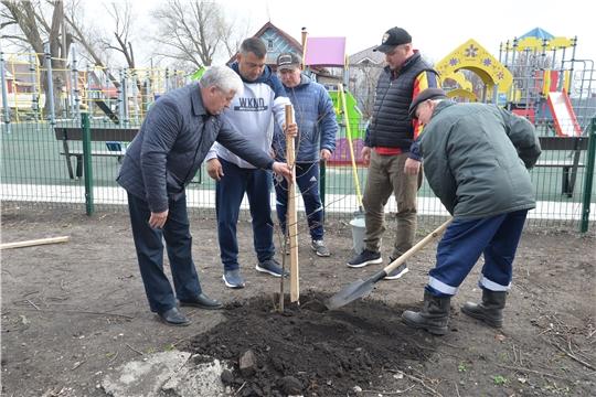 Экологический субботник в Батыревском районе продолжается