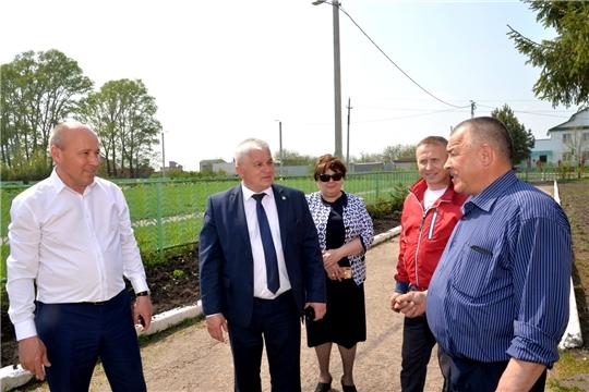 Рабочая поездка глава администрации Батыревского района по объектам строительства в сфере образования