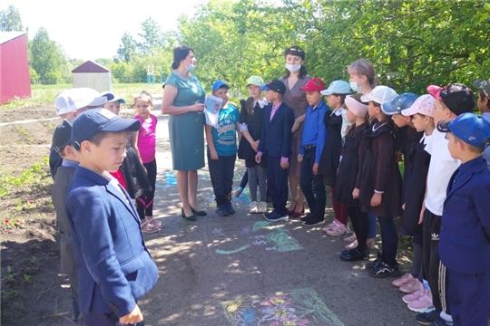 Общественный помощник в Батыревском районеУполномоченногопо правам ребёнка в Чувашской Республике провела встречу с учащимися