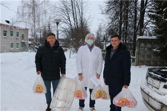 Члены фракции «Единая Россия»  направили в Чебоксарскую районную больницу средства индивидуальной защиты для медицинских работников «красной» зоны и молочную продукцию