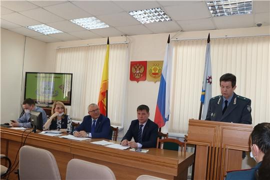 Под руководством главы администрации Чебоксарского района Николая Хорасёва состоялось агроинженерное совещание с руководителями сельскохозяйственных предприятий Чебоксарского района
