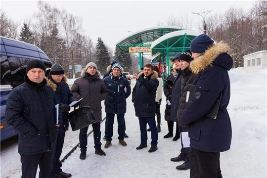 Депутаты провели выездное заседание на остановочные пункты маршрутного пассажирского транспорта города