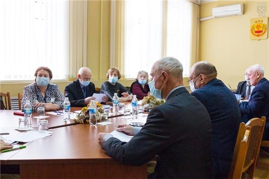 Организацию занятости детей во внеурочное время обсудили члены Совета старейшин при Чебоксарском городском Собрании депутатов