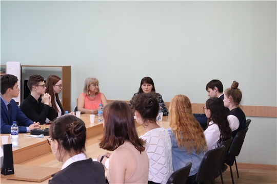 Состоялась встреча со школьными помощниками Новочебоксарска