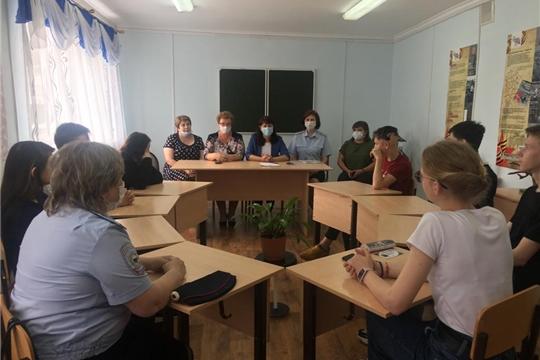 Алевтина Федорова посетила детские дома