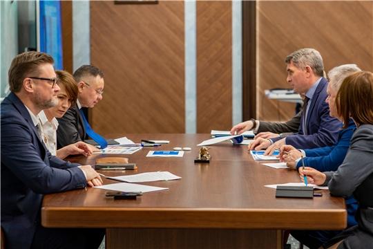 Олег Николаев встретился с Главой Минстроя России Иреком Файзуллиным