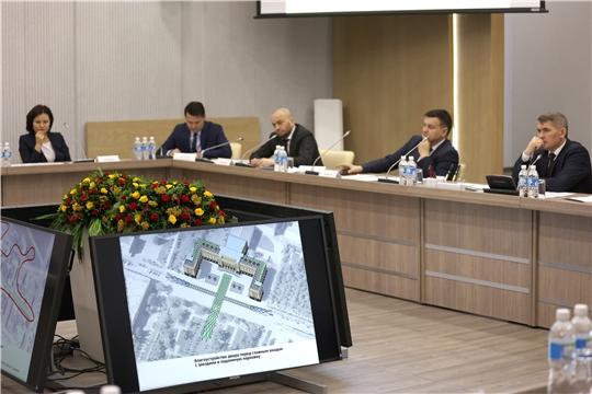 Олег Николаев дал ряд поручений по реконструкции старого Дома правительства