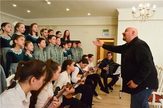 В Чебоксарах прошли мастер-классы по вокалу, хоровому пению и по музицированию известных оперных и эстрадных артистов Российской Федерации