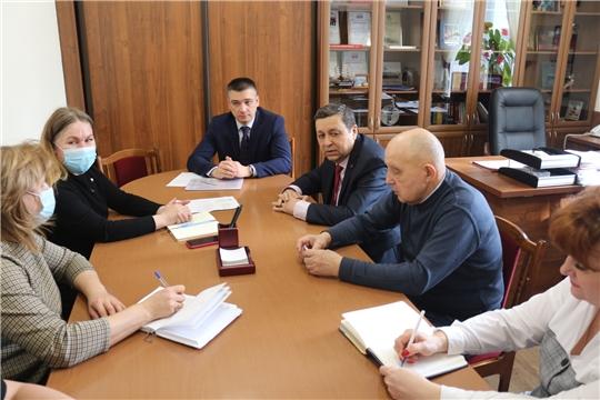 Начальник управления образования Дмитрий Захаров встретился с ректором Чебоксарского кооперативного института