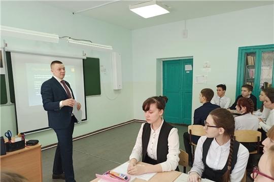 В столице продолжается реализация муниципального проекта «Открытый урок» в школах, где есть трудности с обучением