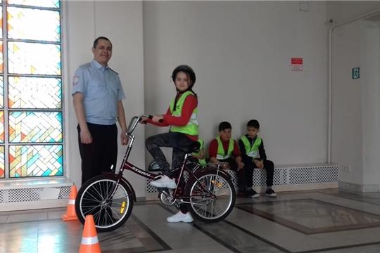 В столице состоялся отборочный тур муниципальной олимпиады по Правилам дорожного движения
