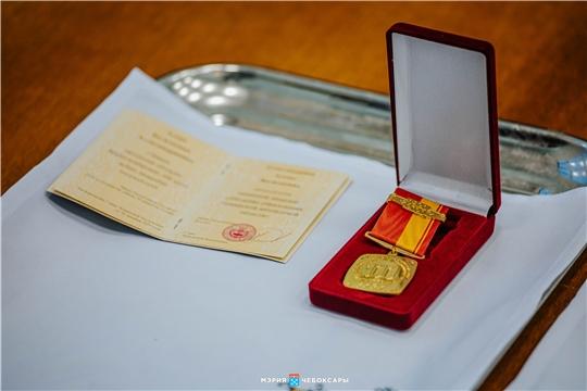 Памятной медалью «100-летие образования Чувашской автономной области» наградили еще 6 чебоксарцев