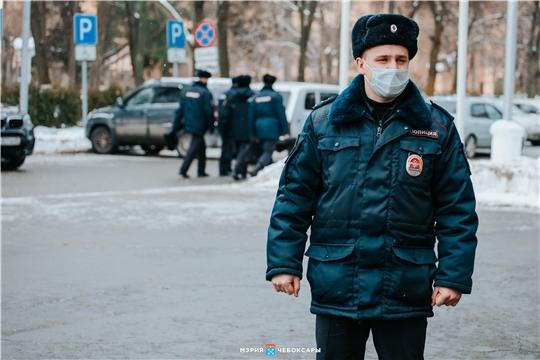На парикмахерскую и магазин составлены акты о нарушениях масочного режима в Чебоксарах