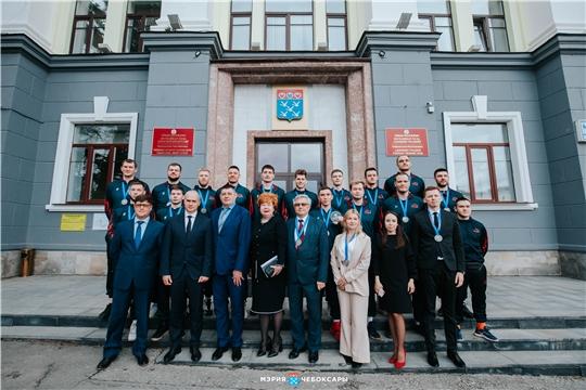 Алексей Ладыков поздравил «Чебоксарских ястребов» с серебром баскетбольной Суперлиги-2