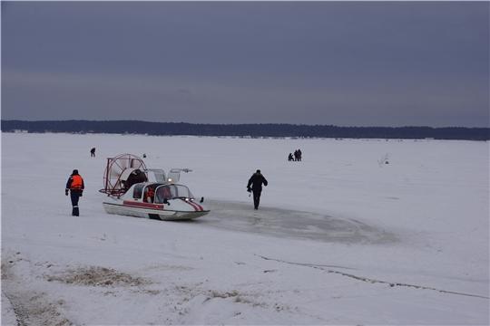ГКЧС Чувашии предупреждает об опасности зимней рыбалки в условиях колебания температуры