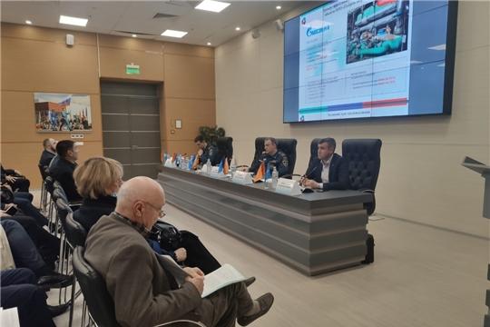 На Международном салоне «Комплексная безопасность – 2021» обсудили проблемы обеспечения пожарной безопасности общественных зданий и объектов топливно-энергетического комплекса
