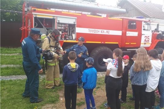 Экскурсия детей в пожарную часть № 25 с. Аликово