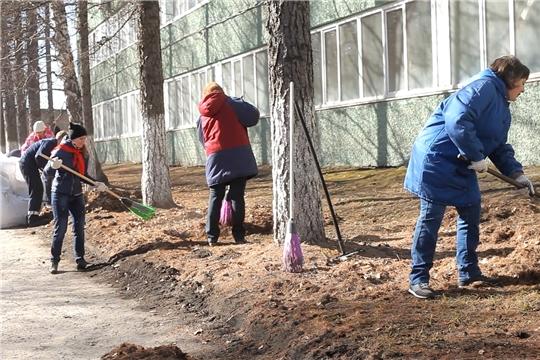 Госжилинспекция Чувашии напоминает об обязанности УК, ТСЖ и ЖСК о проведении мероприятий по уборке придомовых территорий