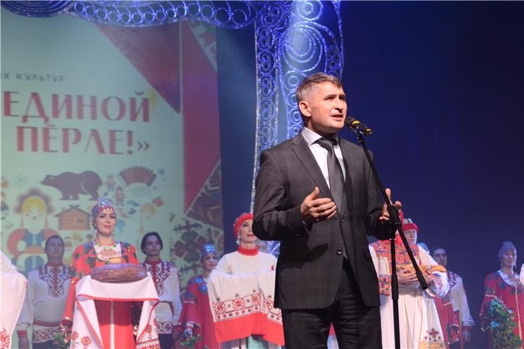 Олег Николаев приветствовал участников фестиваля «В семье единой «Вместе-Пӗрле!»