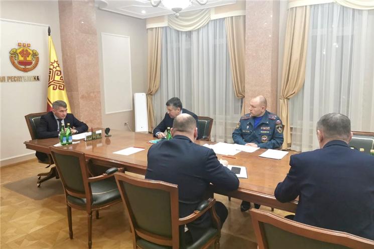 Олег Николаев провел оперативный штаб по дорожной ситуации из-за погодных условий