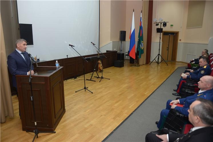 Олег Николаев поздравил сотрудников следственного управления с 10-летием со Дня образования Следственного комитета РФ
