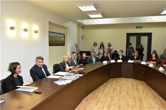 Встреча Олега Николаева с коллективом ИД «Хыпар»