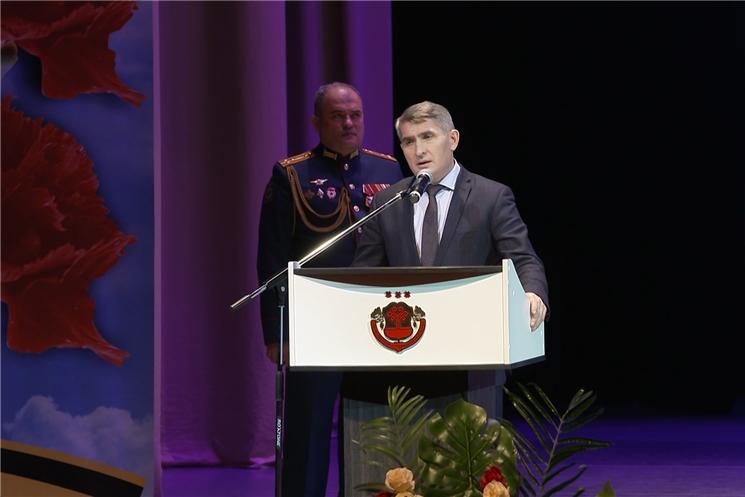 Глава Чувашии Олег Николаев поздравил защитников Отечества