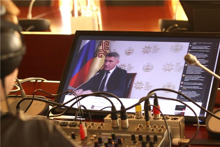 12 марта в социальных сетях ВКонтакте и Инстаграм прошел прямой эфир с Главой Чувашской Республики Олегом Николаевым