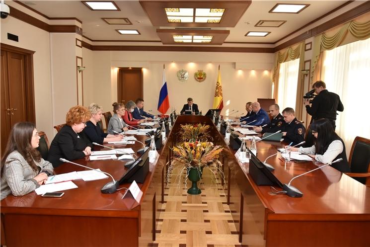 Глава Чувашии Олег Николаев провел заседание региональной антинаркотической комиссии