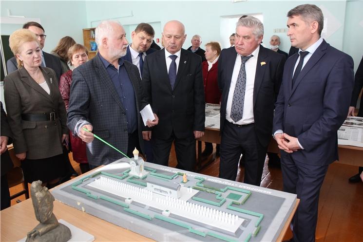 Глава Чувашии О.Николаев посетил Эльбарусовскую школу