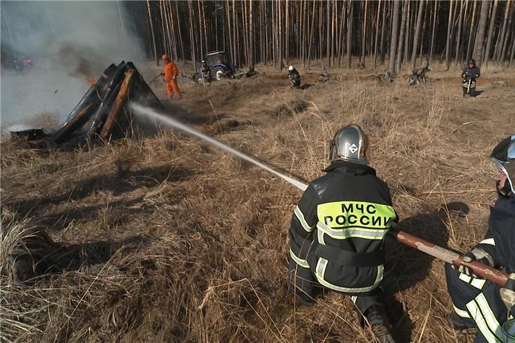 Олег Николаев принял участие в командно-штабных учениях в Заволжье.