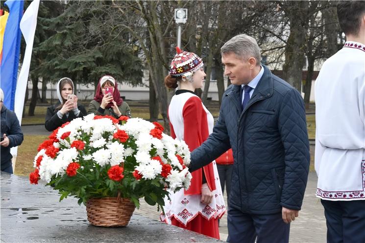 Олег Николаев принял участие в праздновании Дня чувашского языка