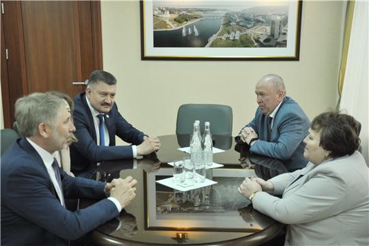 Председатель Госсовета Чувашии Альбина Егорова провела рабочую встречу с депутатом Госдумы России Рафаэлем Марданшиным
