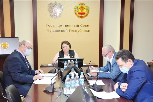 Депутаты обсудили планы работы на май