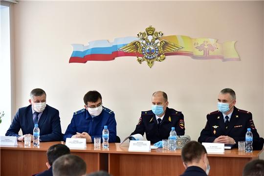 Министр внутренних дел по Чувашии Виктор Шметков посетил с рабочим визитом ОМВД по Ибресинскому району