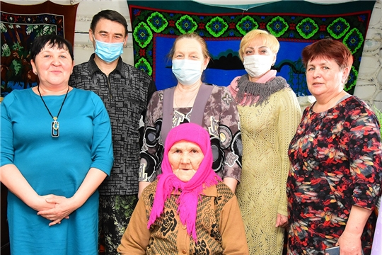 90 летний юбилей отметила жительница деревни Нижние Абакасы Арсентьева Анна Ильинична
