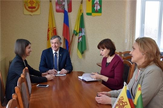 Кристина Майнина посетила редакции Аликовской и Вурнарской районных газет