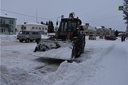 Уборка улиц от снега идет полным ходом