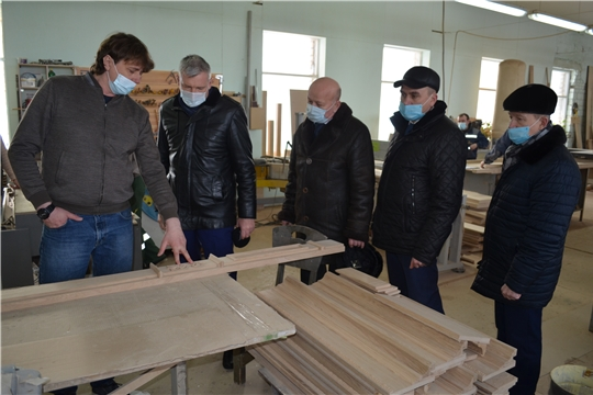 Министр промышленности Чувашии Евгений Герасимов посетил предприятия в городе Мариинский Посад