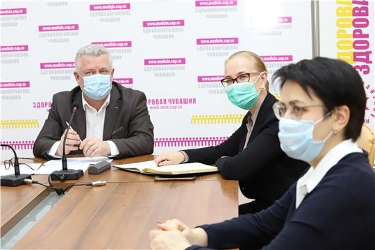 Минздрав России поручил усилить наблюдение за диспансерной группой пациентов