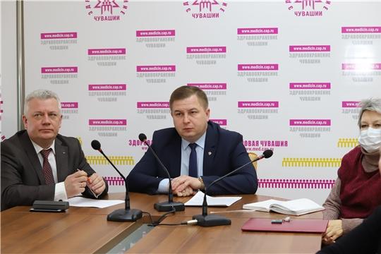 Министр здравоохранения России Михаил Мурашко провел селекторное совещание с регионами по вопросам организации медицинской помощи пациентам с COVID-19