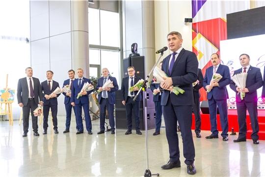 Министр здравоохранения Владимир Степанов принял участие в праздничном вечере «С любовью к женщине»