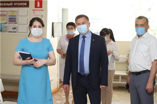 Министр здравоохранения Чувашии Владимир Степанов с рабочим визитом посетил три района республики в один день