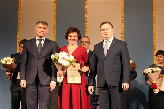 В рамках акции «Спасибо вам, родные доктора» врачей пригласили на спектакль в Чувашском драмтеатре