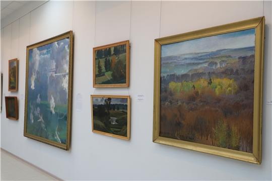 «Кроме флагов и гербов» - в Художественном музее открылась выставка Элли Юрьева