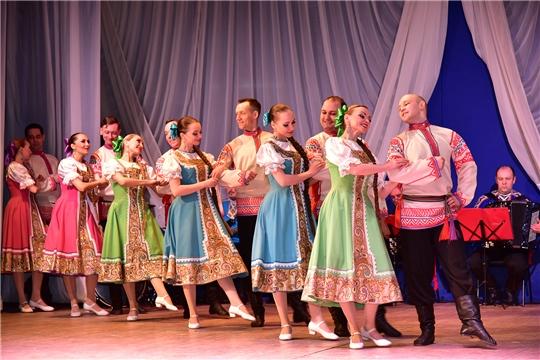 Чувашский госансамбль с успехом гастролирует по республике с программой «Сурпан Пӗрле»