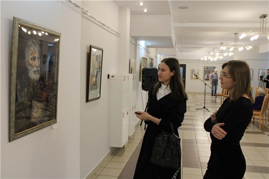 Педагоги-художники представили в Национальной библиотеке Чувашии свои творческие работы