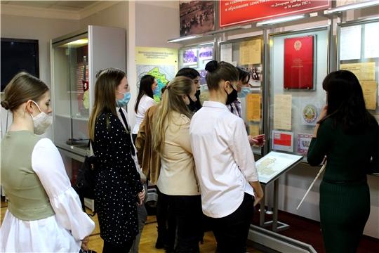 Студенты ЧГИКИ посетили Национальный музей Чувашии в рамках Дня открытых дверей
